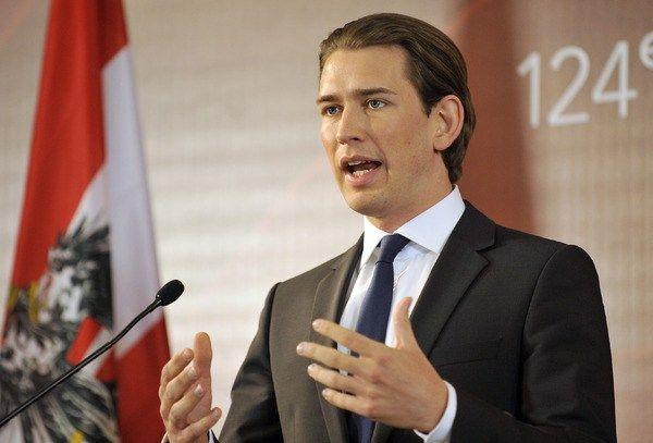 """L'Austria accusa le autorità di Bruxelles di operare come """"trafficanti di persone"""""""