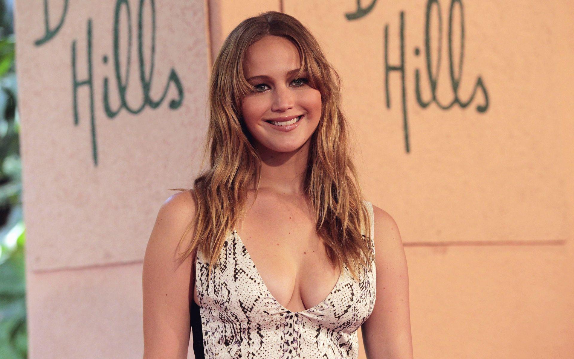 Jennifer Lawrence Boyfriend Nicholas Hoult Break Up ...