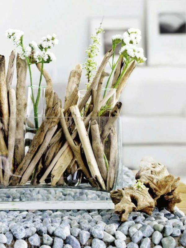 Deko Treibholz Stocke Und Weisse Blumen In Glas Wunderbare
