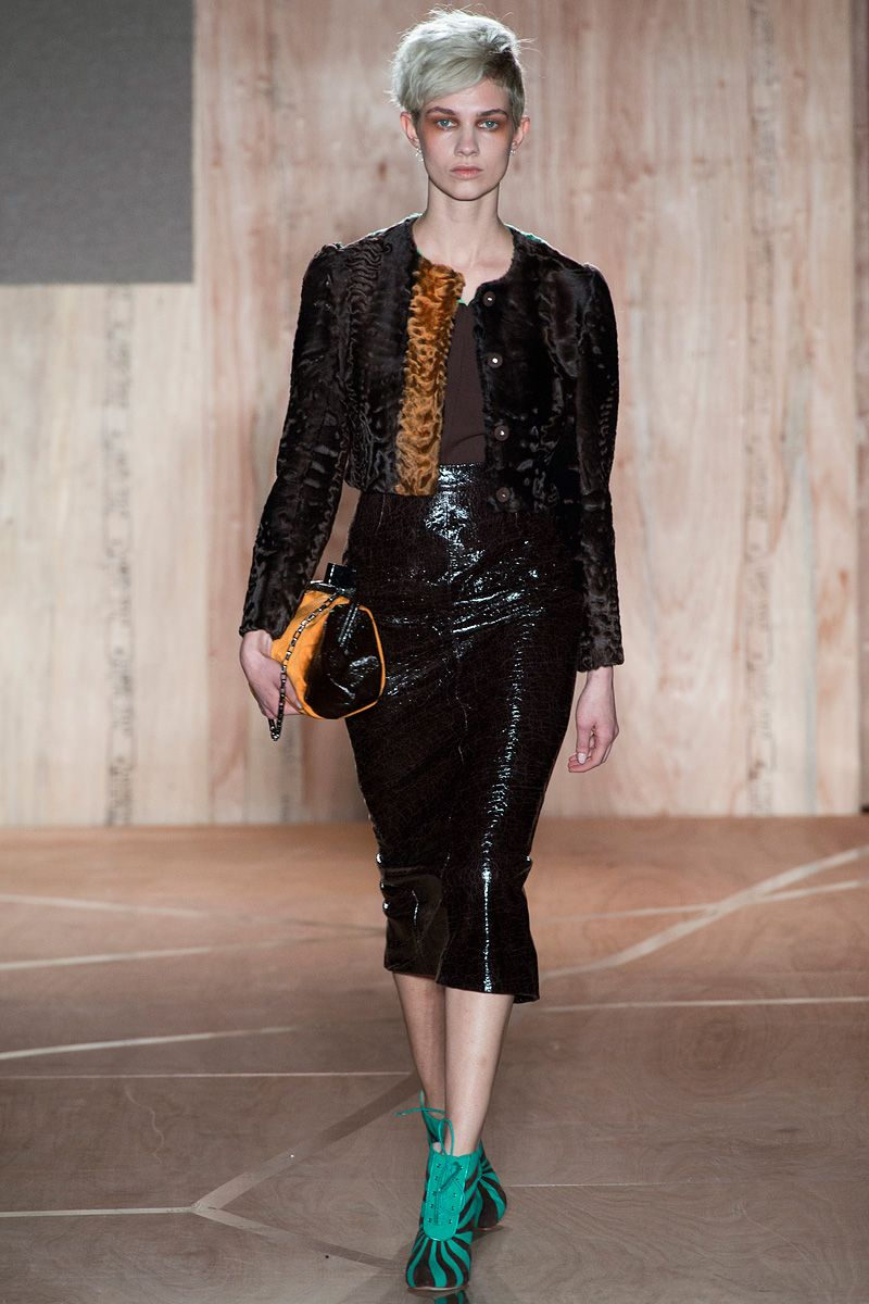 Roksanda Ilincic Fall 2013 RTW - Review - Fashion Week - Runway, Fashion Shows and Collections - Vogue#/collection/runway/fall-2013-rtw/roksanda-ilincic/8#/collection/runway/fall-2013-rtw/roksanda-ilincic/13#/collection/runway/fall-2013-rtw/roksanda-ilincic/15