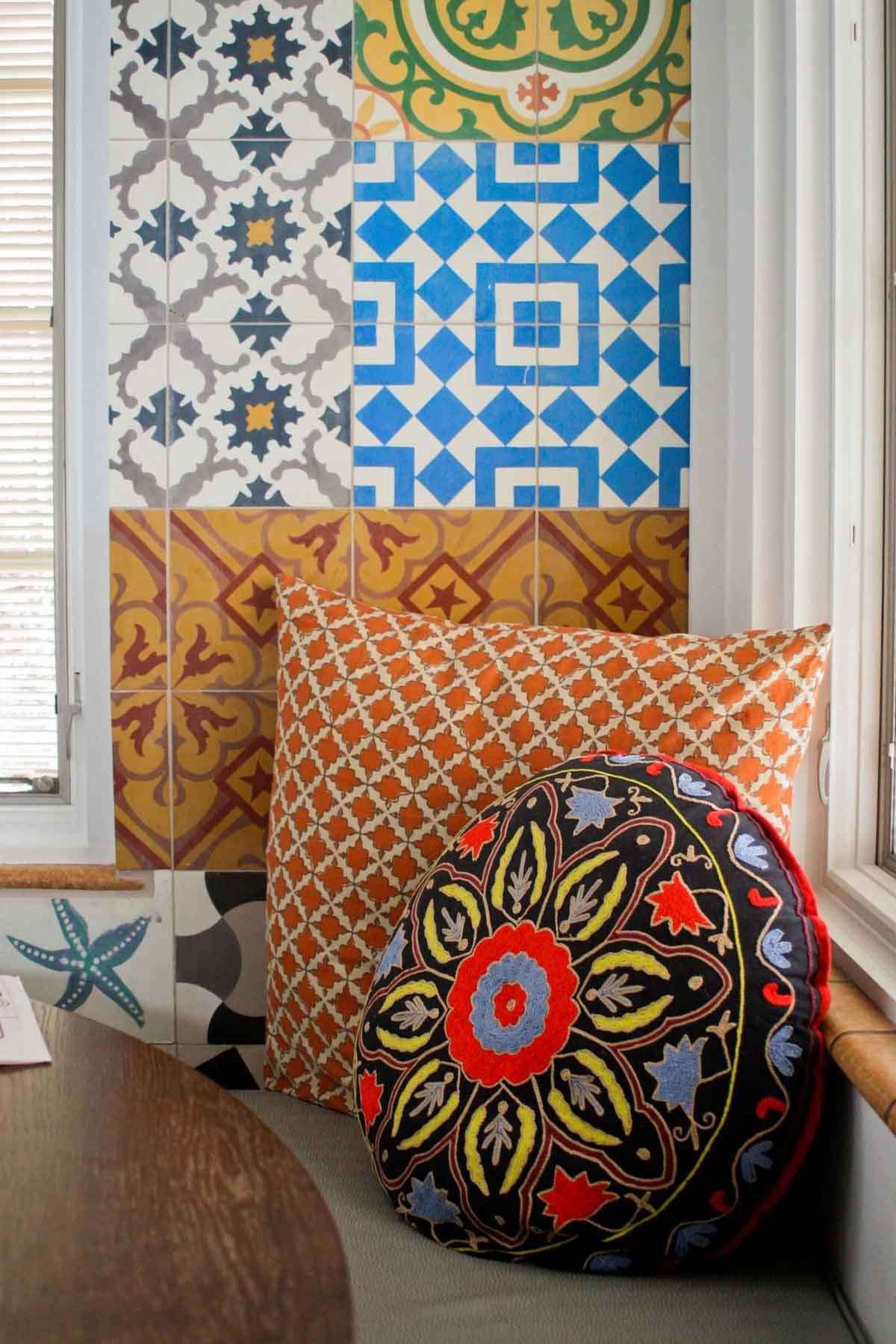 Küchendesign grün a dramatic cuban tile kitchen in colorado  cabin fever  pinterest