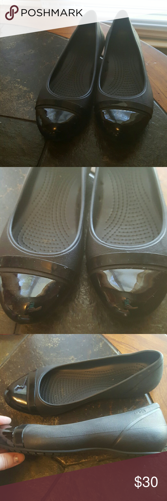 9m black crocs Worn one time. Very good condition. Smoke and pet free home. CROCS Shoes Flats & Loafers
