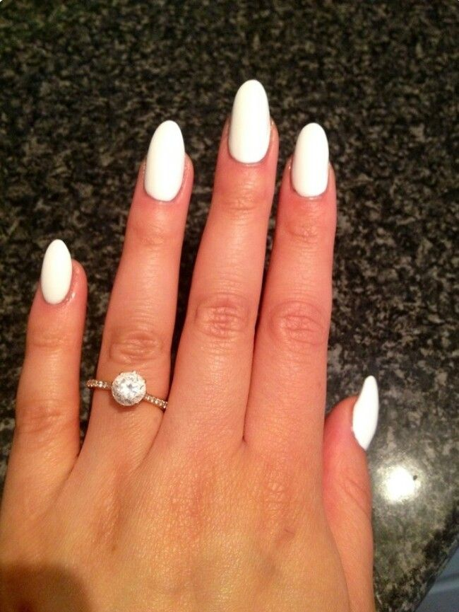 White Oval Nails Perfect For Summer White Acrylic Nails White Oval Nails Trendy Nails
