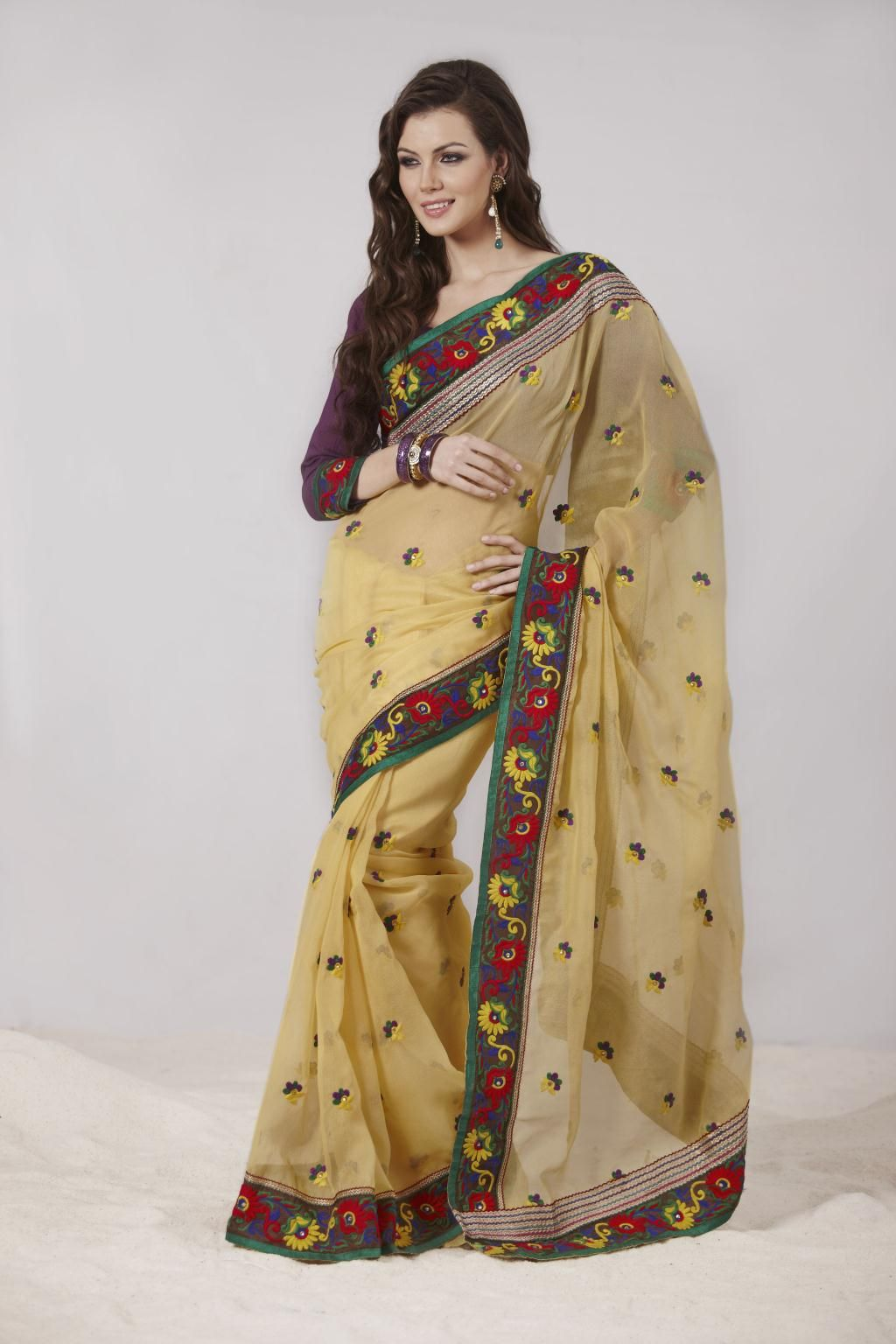 dcf81417e7 Gold Super Net Saree 20694 With Unstitched Blouse | Things to Wear ...