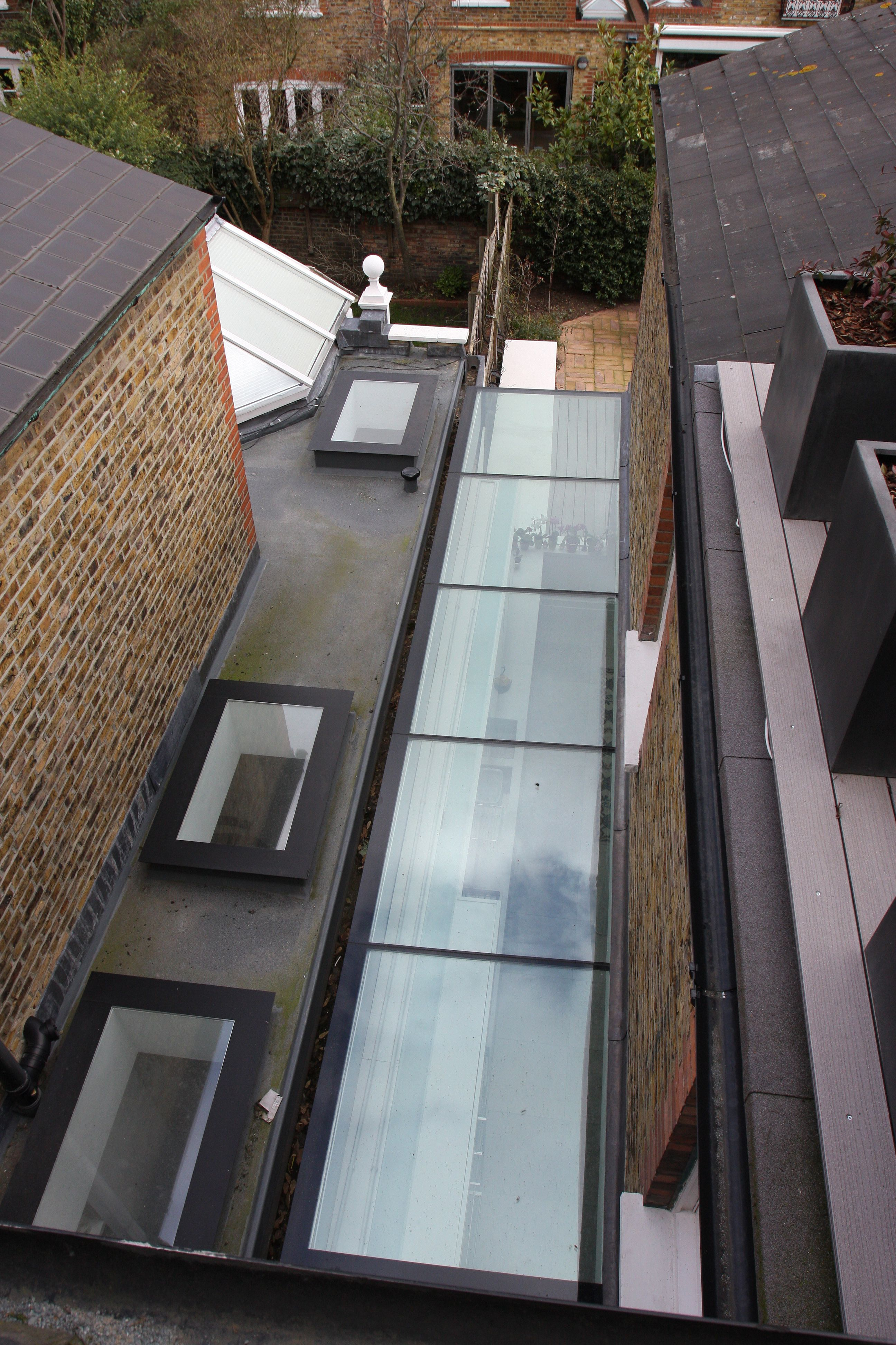 Glass Infill Photo Gallery: External View Of Structural Glass Side Return Infill And Rooflights In SIG By IQ Glass