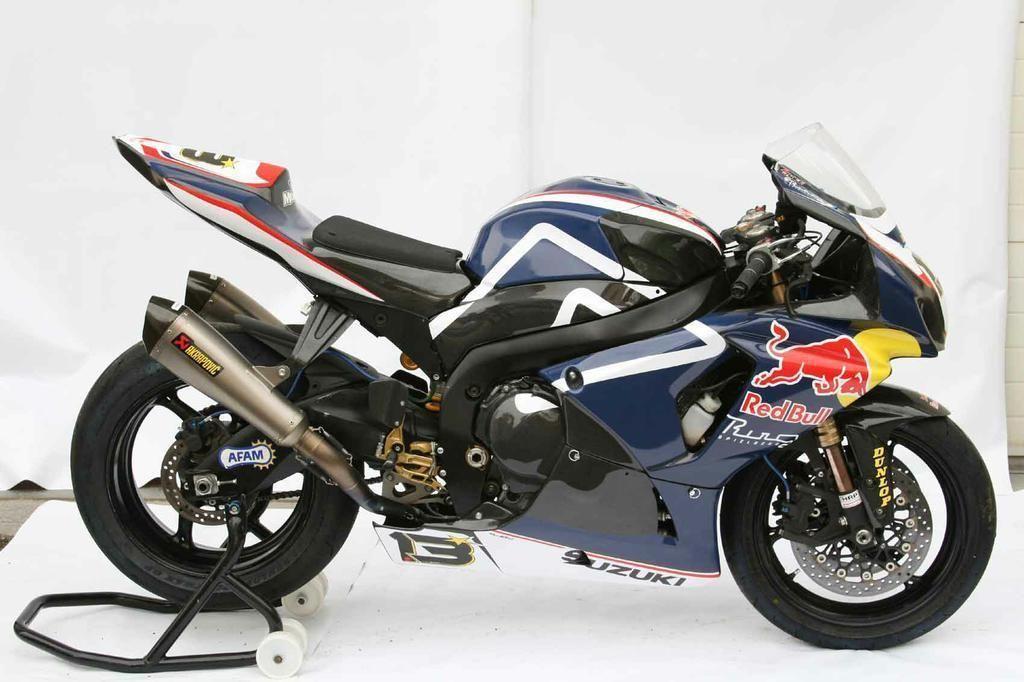 Suzuki GSXR 1000 Red Bull Blue GP