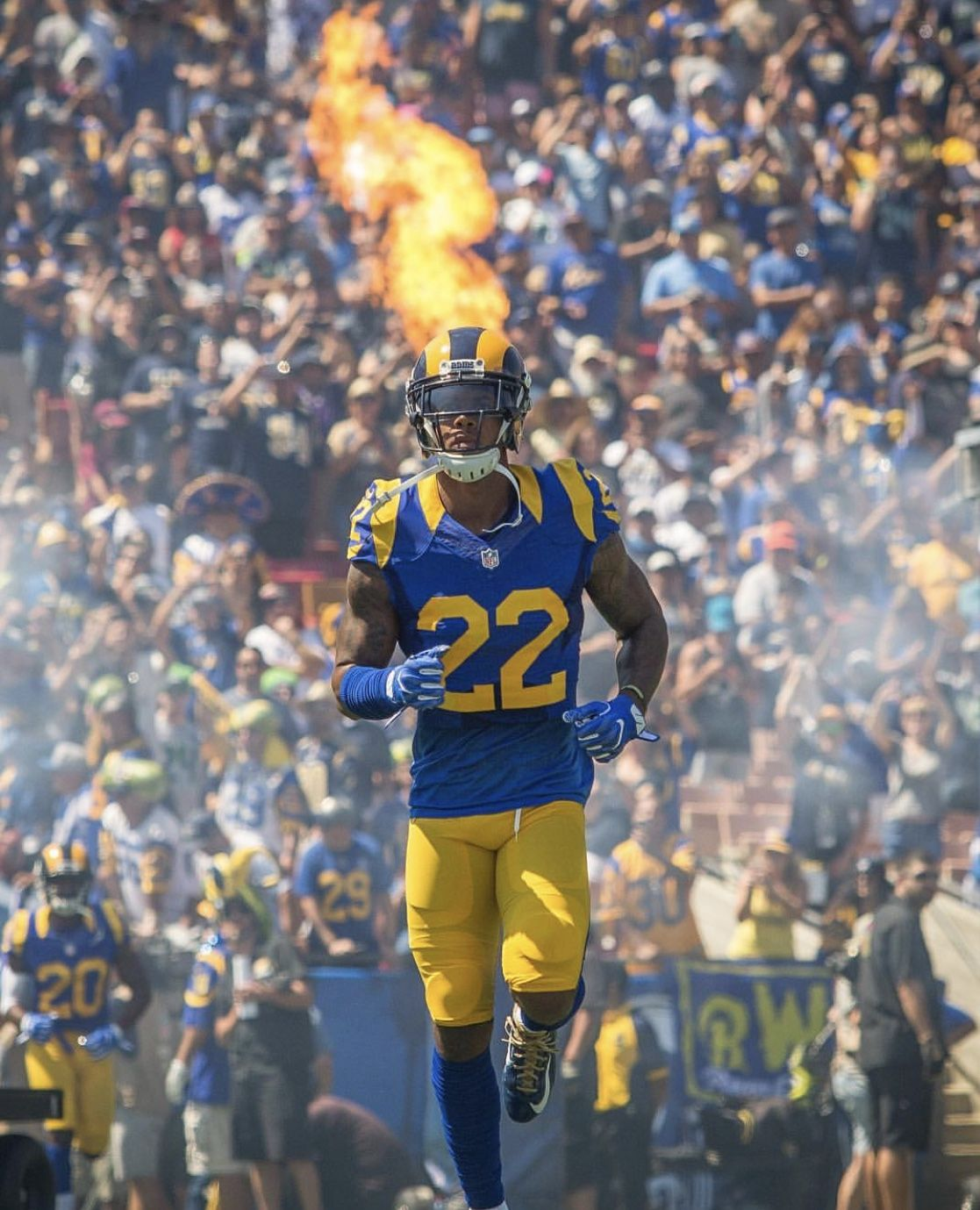 Pin by Ronnie Gallegos on Los Angeles Rams Rams football
