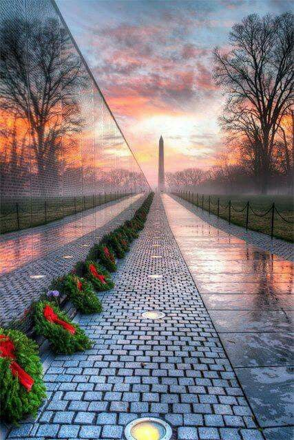 The Vietnam Memorial, by photographer Angela Pan.