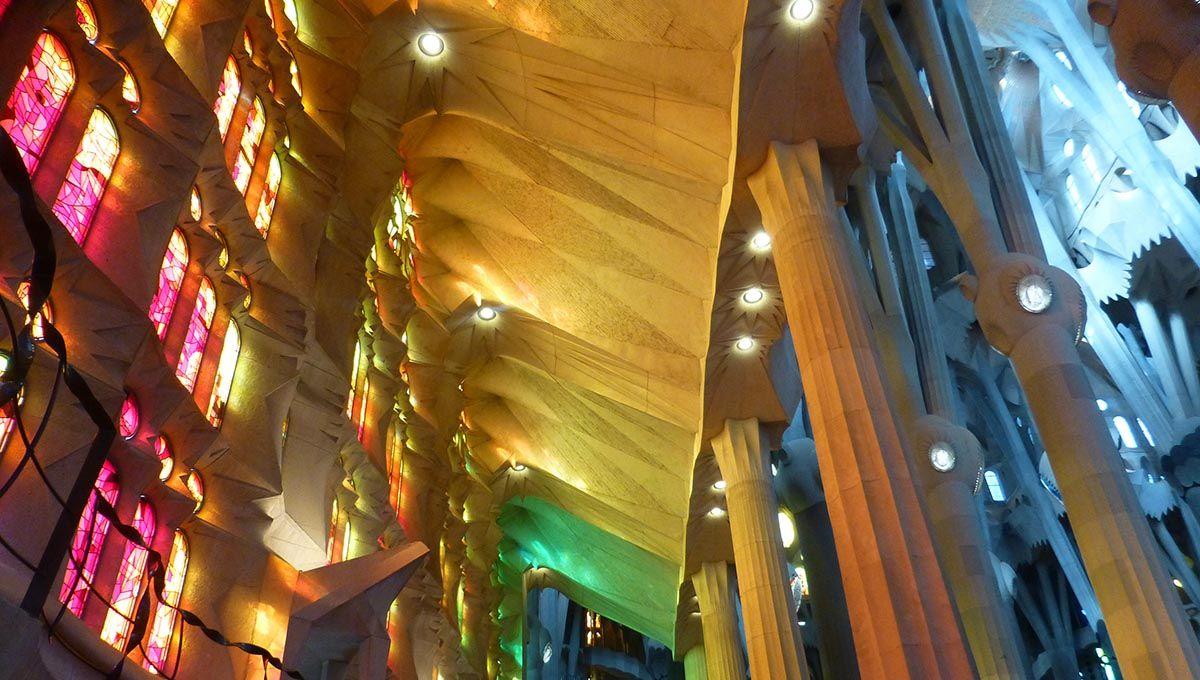 Reflets Et Lumière Dans La Sagrada Familia Sagrada Familia Barcelone Visite Guidée