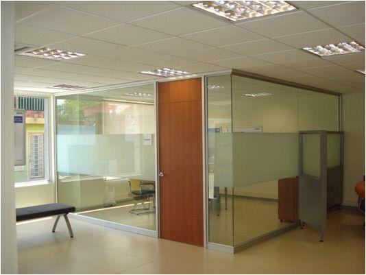Divisiones de oficina buscar con google mamparas de vidrio pinterest searching for Divisiones de oficina