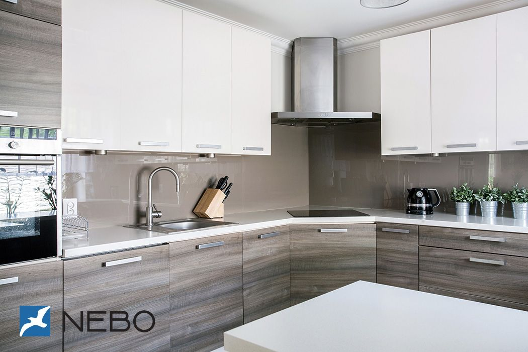 Best Grey Wood Grain White Kitchen Cabinets Небольшие Кухни 640 x 480