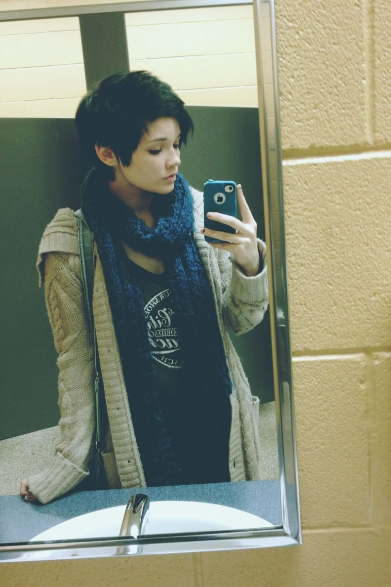 I love this picture cute pixie cut and lazywitheffortstyle