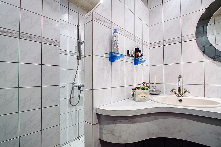 Badkamer Hoe pimpen we het lelijke badmeubel???   Savelveld 33 ...