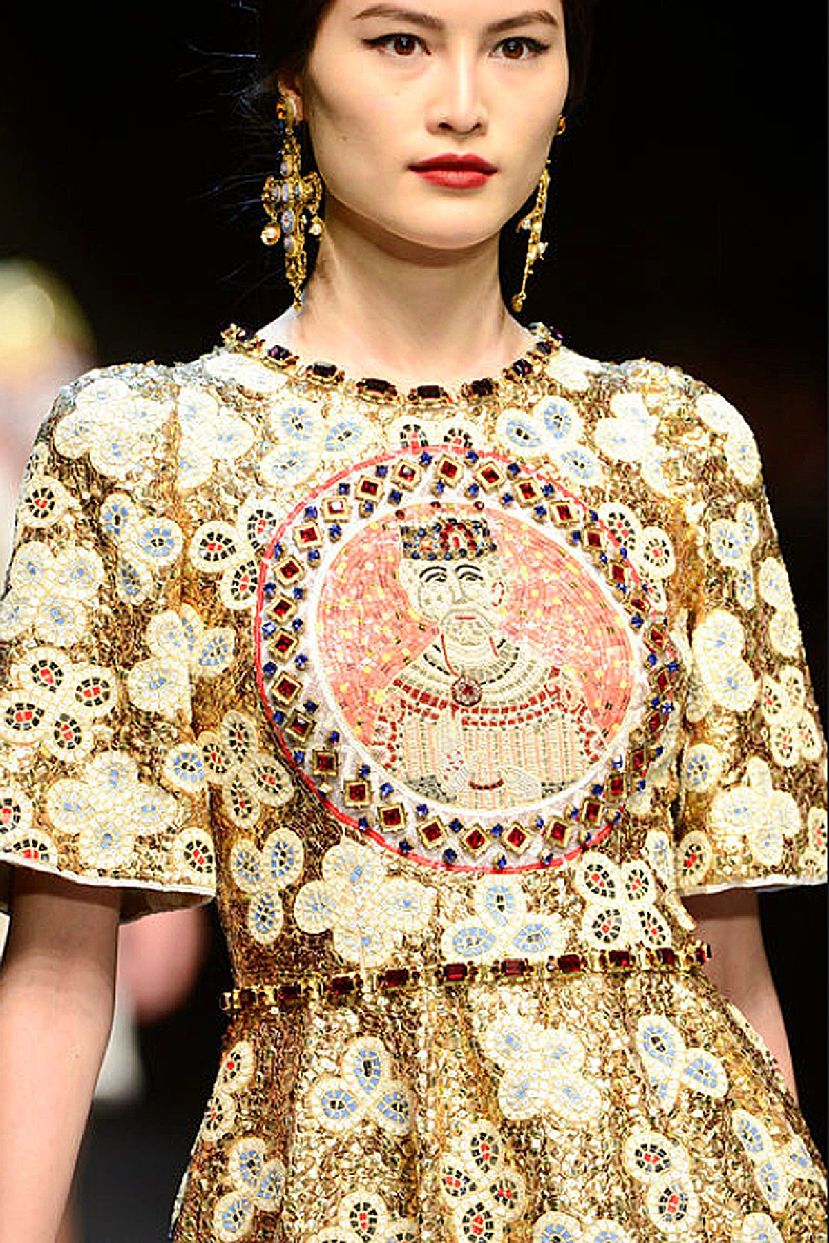 Dolce & Gabbana Fall 2013 rtw collection  (detail) (style.com) via Très Haute Diva
