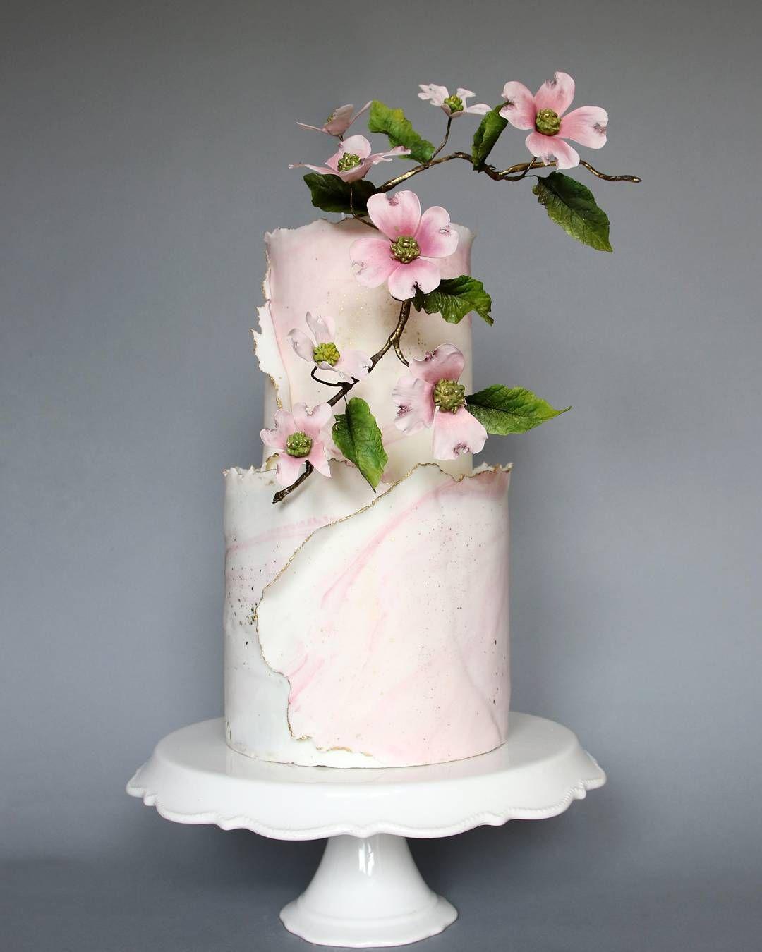 22 Beautiful wedding cakes to inspire you : Subtle marble pink wedding cake