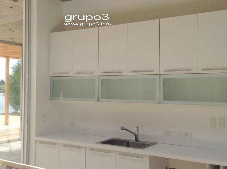 grupo3.cocina P. Laricina. Puertas rebatibles en aluminio y vidrio ...