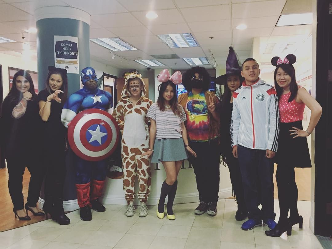 Costume contest on the LA campus! Heroes and hippies and giraffes oh my!! #fremontcollege #costumecontest #happyhalloween #playingdressup