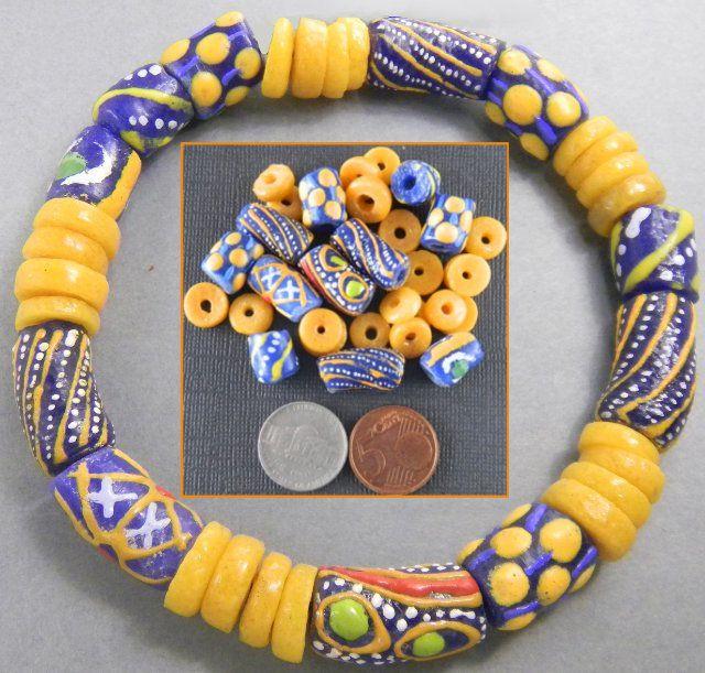 Zweedse combinatie uit Ghana? Verschillende Gele en Blauwe #kralen samen om te verwerken.