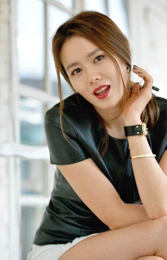Không phải Song Hye Kyo, mỹ nhân U40 này mới là tình đầu