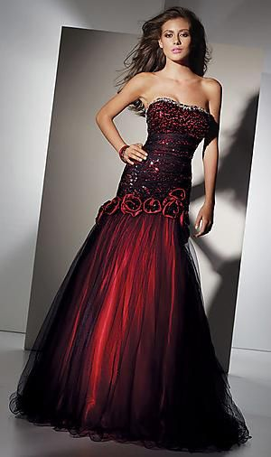I see this in a masquerade themed prom | Clothes | Pinterest ...