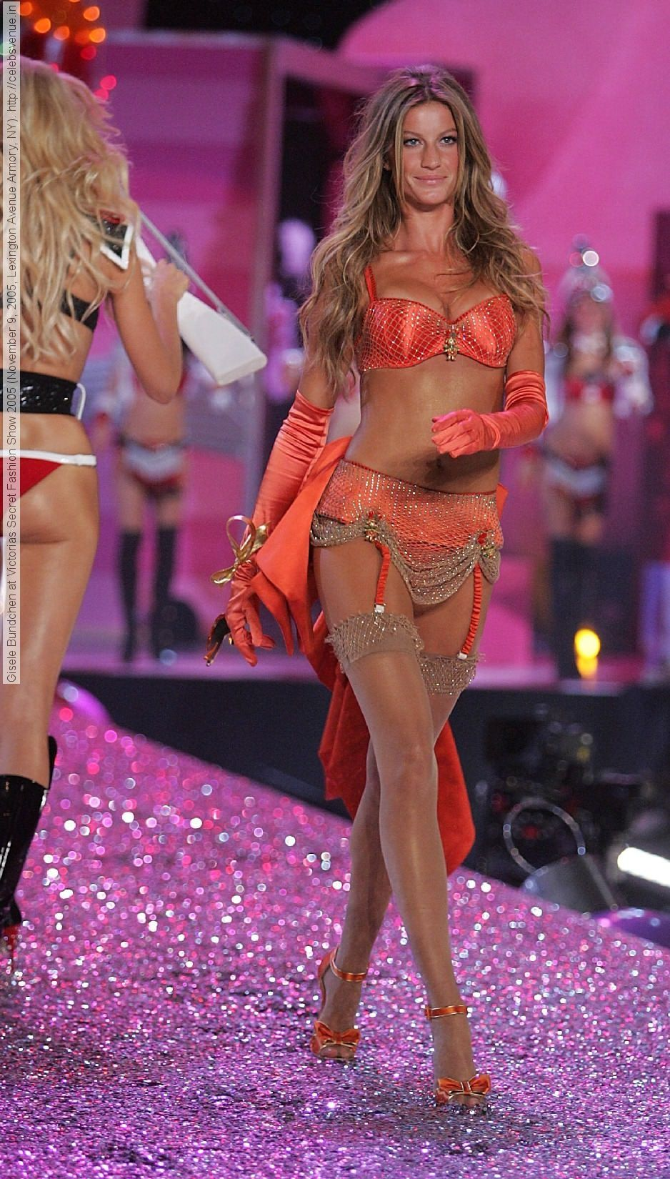 Gisele bundchen at victorias secret fashion show november
