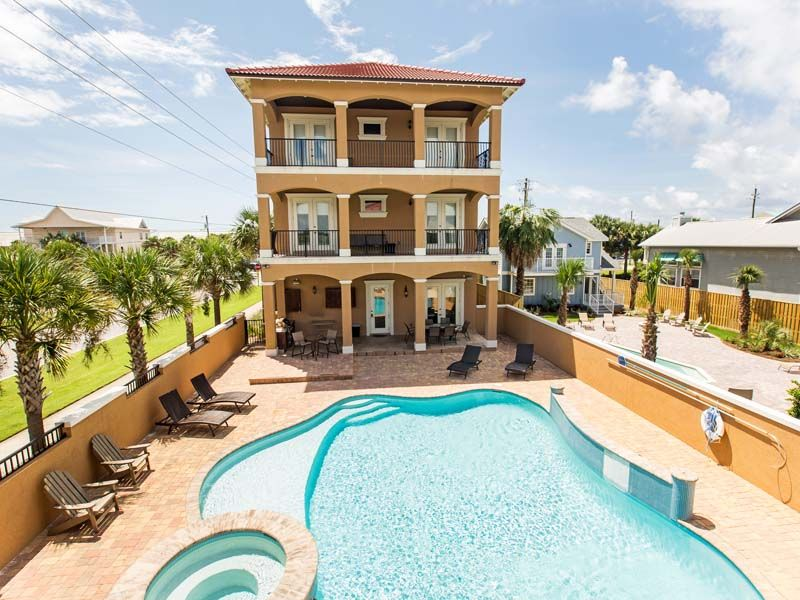 Crystal palace destin florida vacation rentals by southern luxurious accommodations and stunning views of the bright emerald green waters of the gulf of