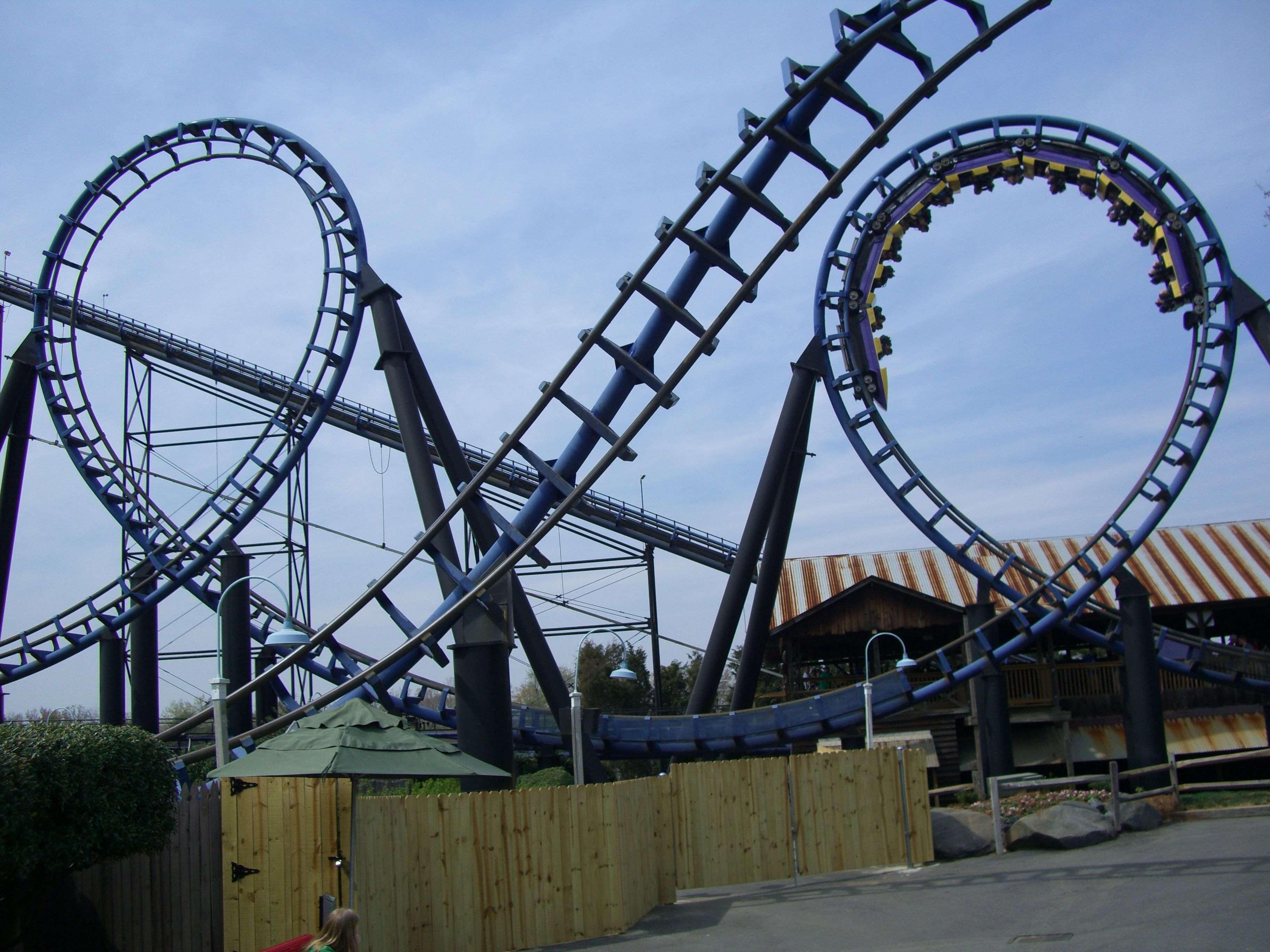 Carolina Cyclone, Carowinds | Let's Go! | Best amusement parks