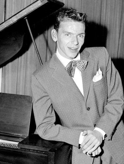 Pin By Joy On Frank Sinatra Young Frank Sinatra Frank Sinatra Sinatra