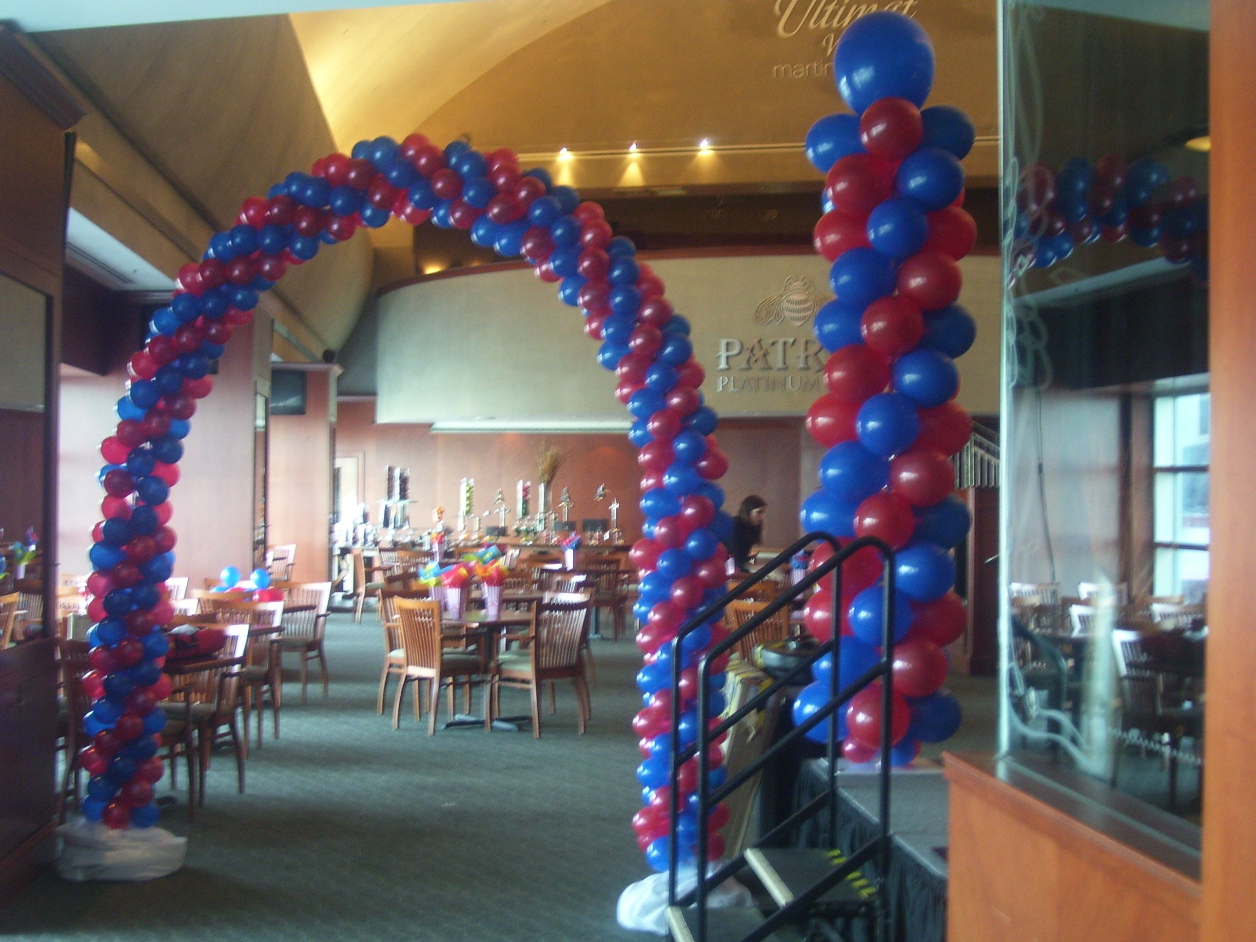 Airfilled Columns and Arch Balloon Decorations by