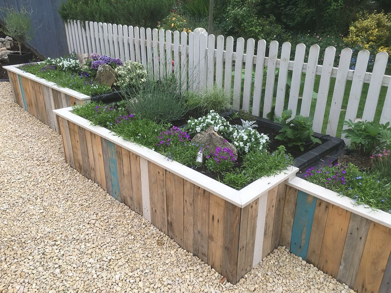 30 awesome diy fence garden design with wood pallets on backyard garden fence decor ideas id=27482