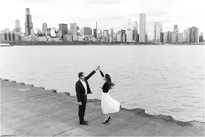 Stylish Chicago Engagement Pictures