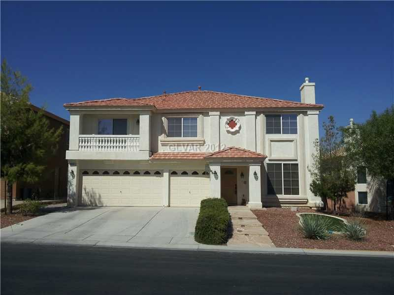 Call Las Vegas Realtor Jeff Mix at 702-510-9625 to view this home in Las Vegas on 10633 WILDHURST ST, Las Vegas, NEVADA 89183 which is listed for $250,000 with 5 Bedrooms, 2 Total Baths, 1 Partial Baths and 3196 square feet of living space. To see more Las Vegas Homes & Las Vegas Real Estate, start your search for Las Vegas homes on our website at www.lvshortsales.com. Click the photo for all of the details on the home.