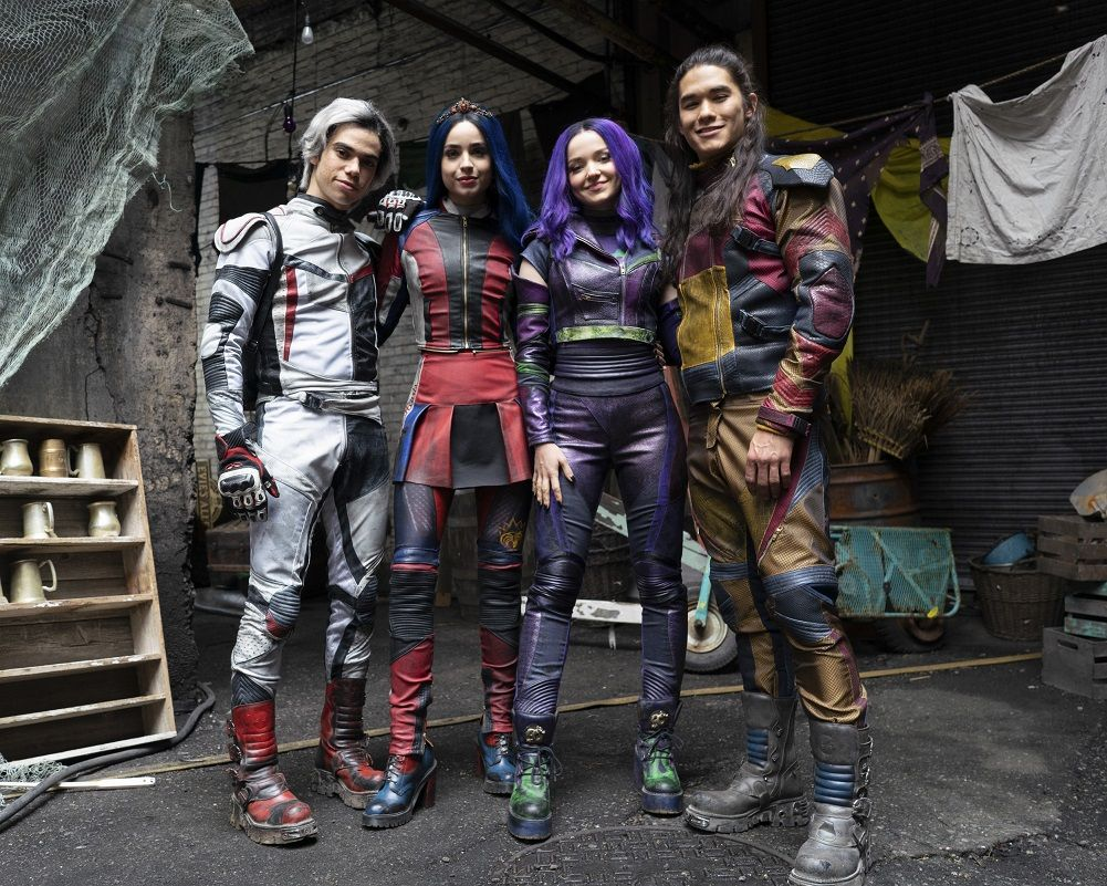 First Photo From The Set of Descendants 3 Featuring The Four Villain Kids #descendants3