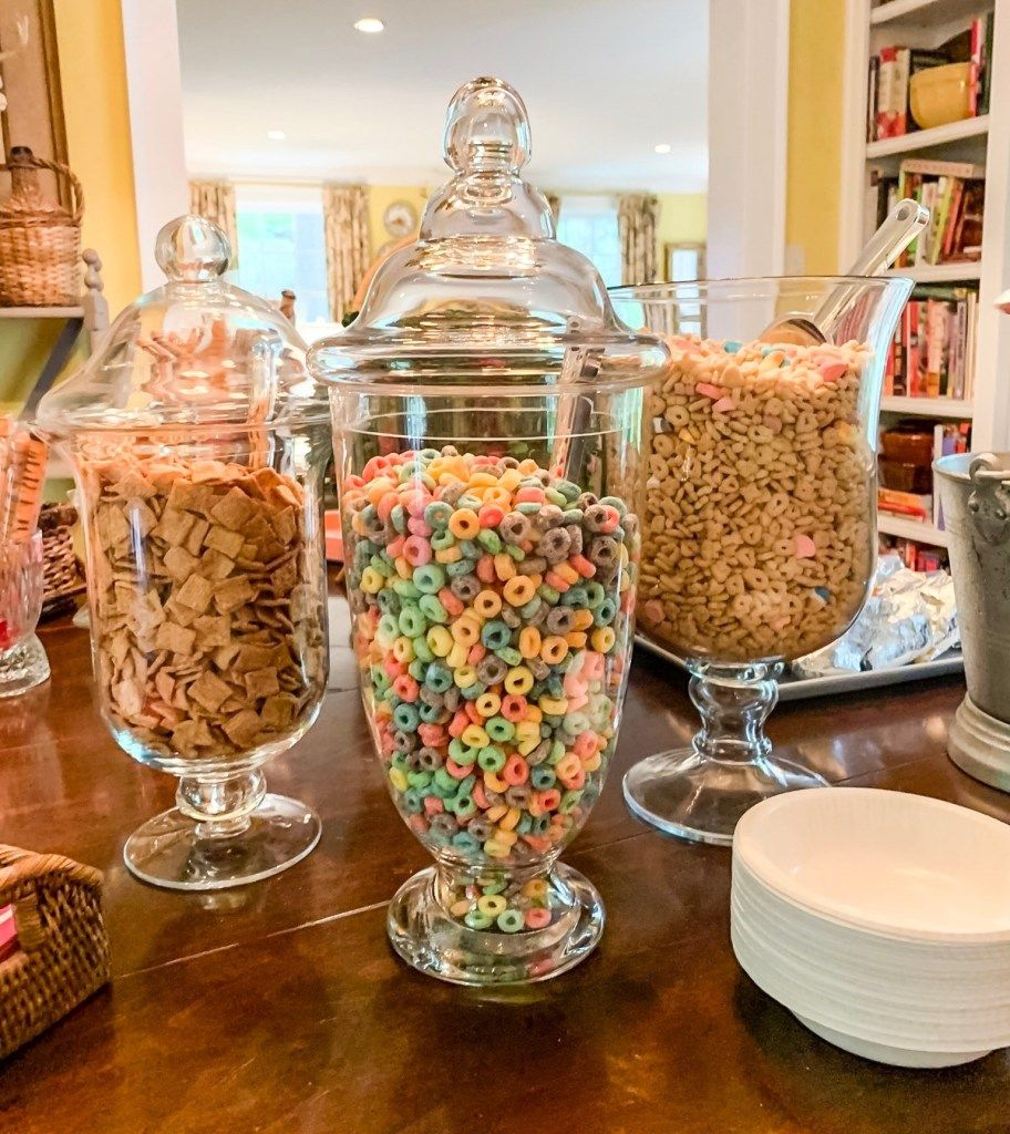 Cereal Bars Party, Graduation