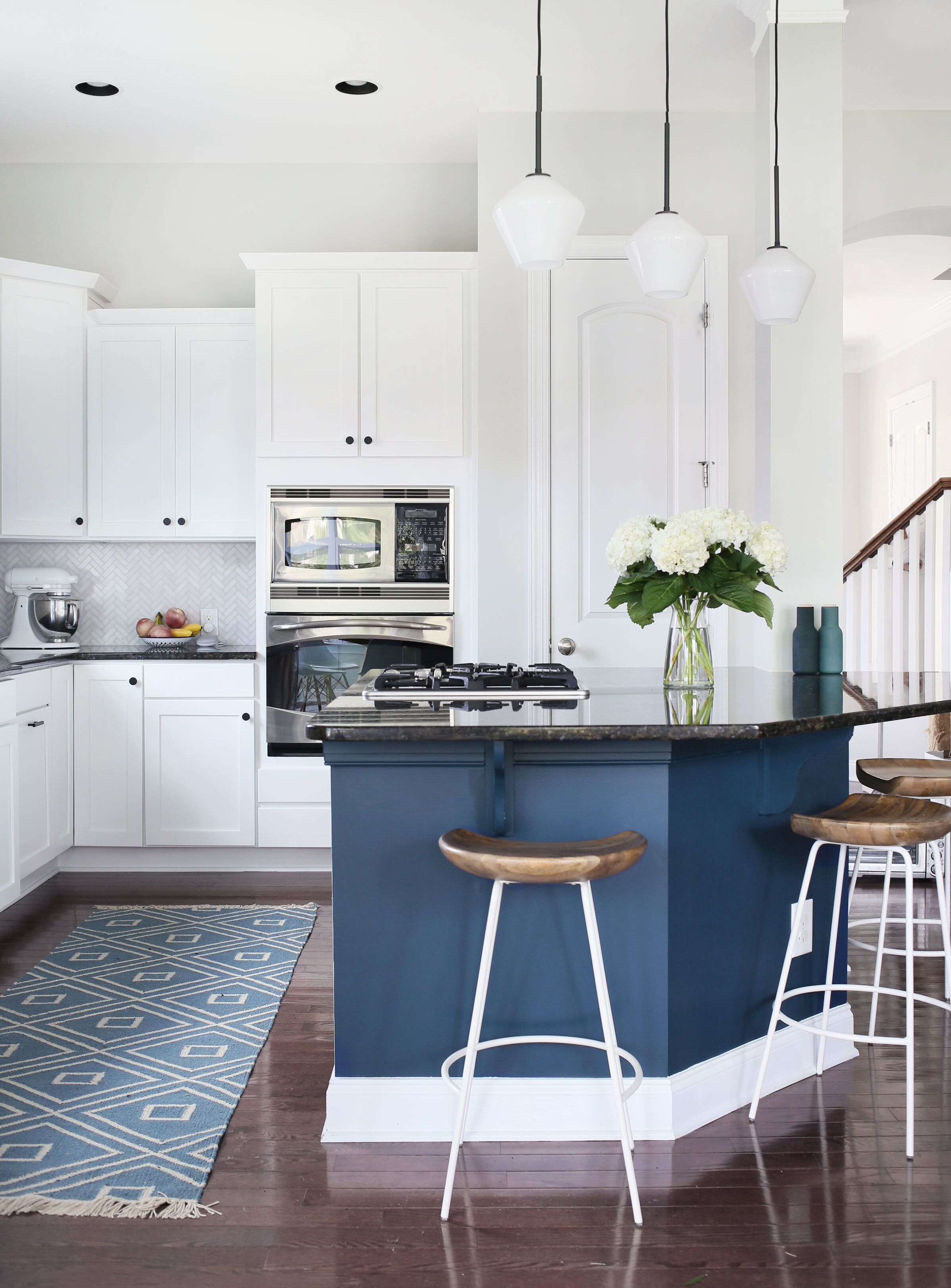 room reveal a sunny refreshed kitchen breakfast nook combo kitchen breakfast nooks on kitchen nook id=97359