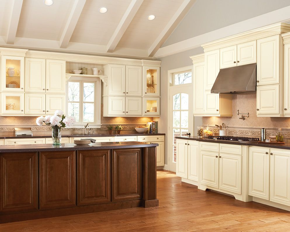 Shenandoah cabinetry in painted butterscotch mckinley door painted cabinets pinterest - Painted country kitchen cabinets ...