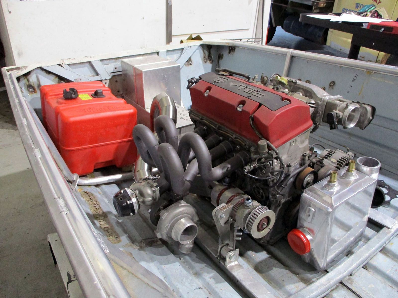 Turbocharged 2 0 L F20c Inline Four In A 13 Foot Boat Power Boats Jet Boats Boat