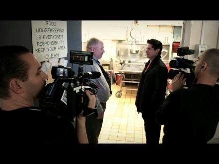 Return to Linda Vista Hospital, Zak interviews an LA coroner.