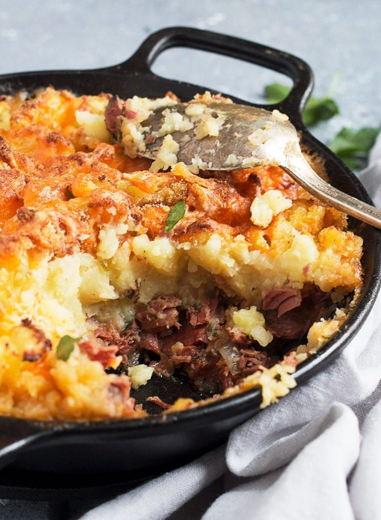Corned Beef Cottage Pie This Corned Beef Cottage Pie Is The Love Child Of Shepherd S Pie And Corned Beef Has Corned Beef Recipes Beef Cottage Pie Corned Beef