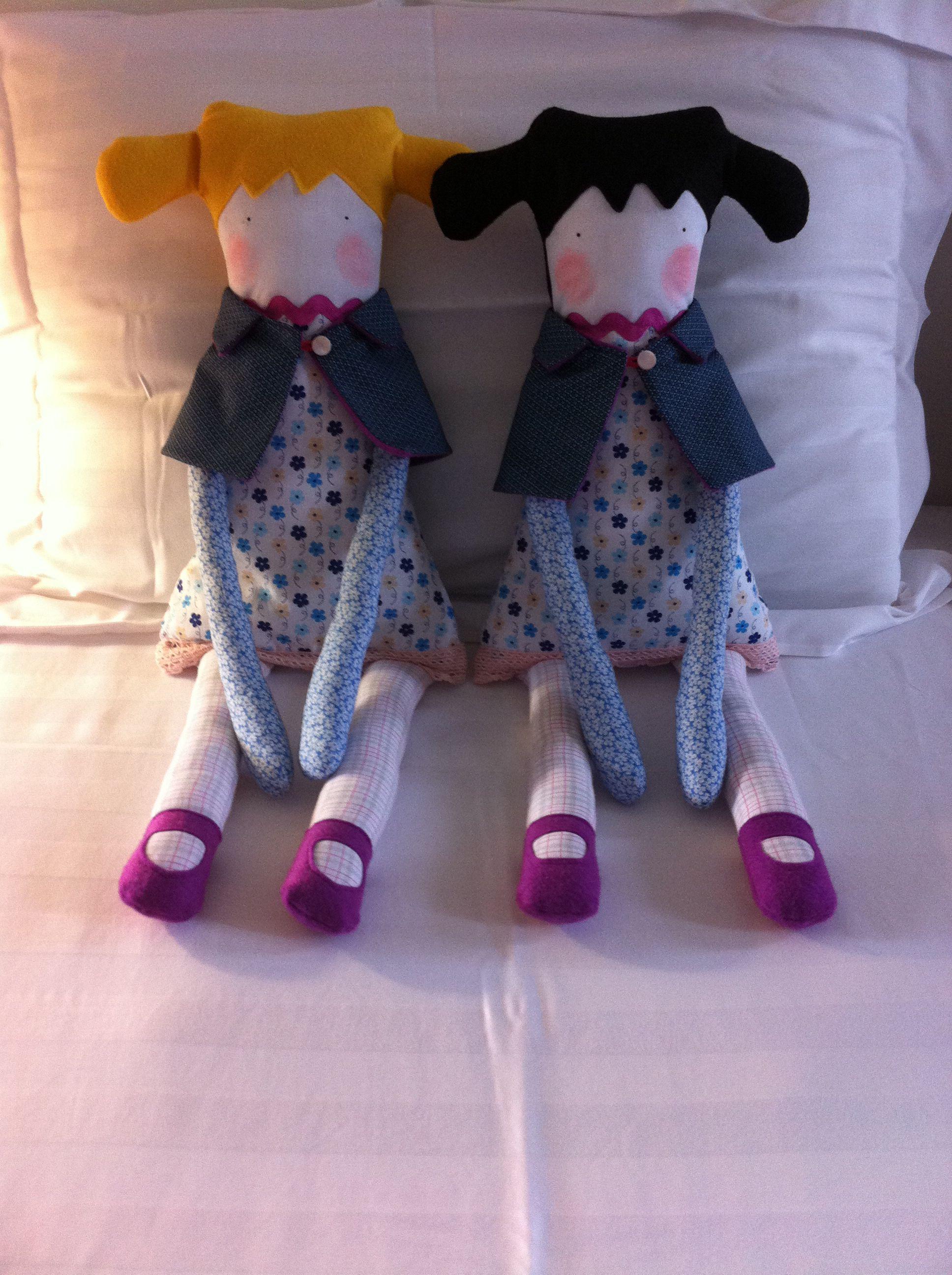 Dolls. Bonecas que fiz para minhas sobrinhas Hadassa e Larinha.