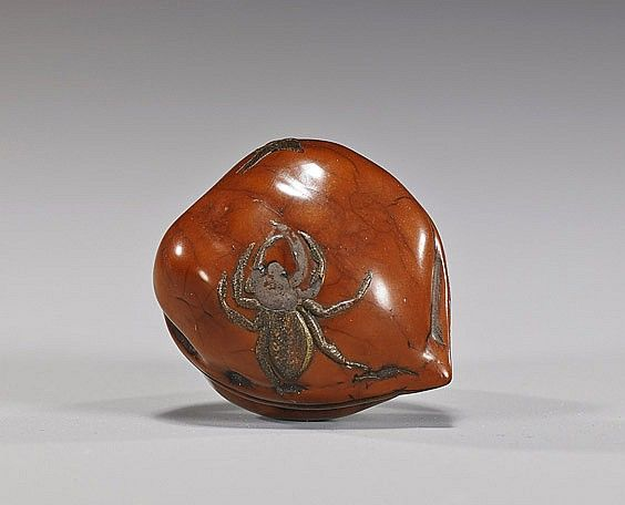Walnut Netsuke - Late 19th Century