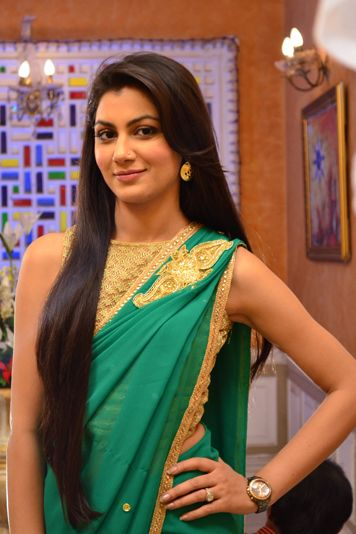 Pin by Lutfun Nahar on beautiful saree in 2019 | Kumkum bhagya