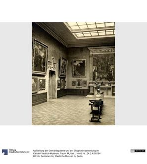 Aufstellung der Gemäldegalerie und der Skulpturensammlung im Kaiser-Friedrich-Museum, Raum 44, Italienische Gemälde und Bildwerke des 15. Jhd.