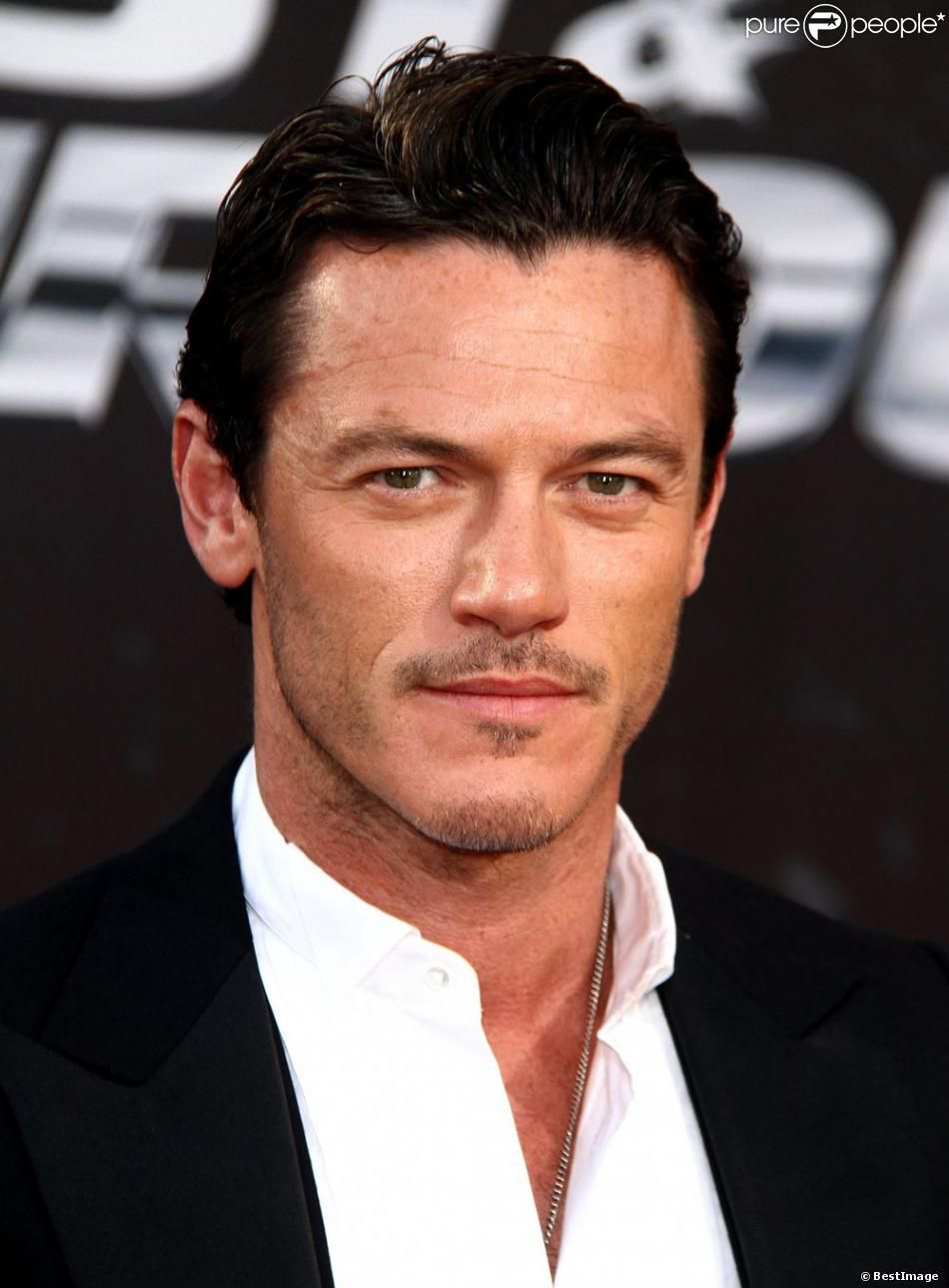 Watch Luke Evans (born 1979) video