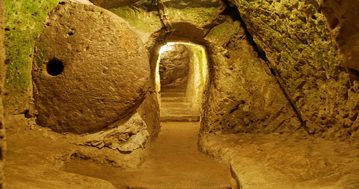 Man Knocks Down Wall During Home Remodel Discovers Massive Underground City Ancient Underground City Underground Cities Underground