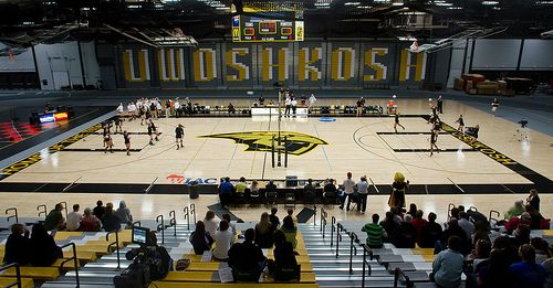 Uw Oshkosh Titans Women S Volleyball Competed For The First Time In The Newly Renovated Kolf Sports Center On Sept 26 20 Women Volleyball Sport Event Oshkosh