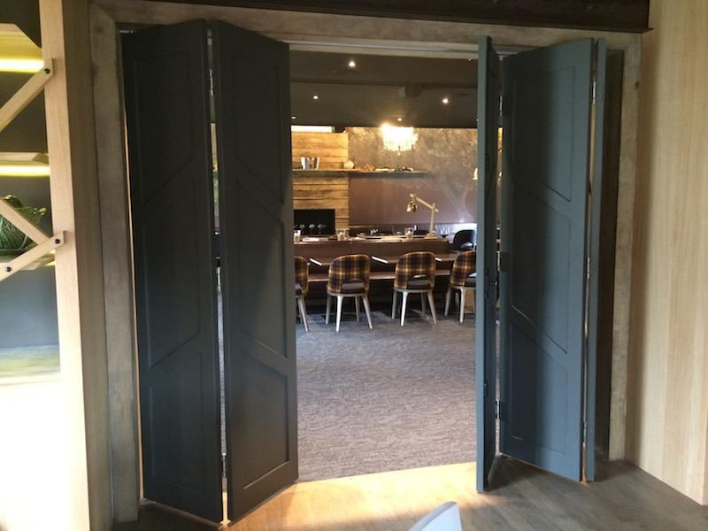 Porte accord on gris anthracite restaurant l 39 auberge du barrez pinterest porte accord on - Porte de garage accordeon ...