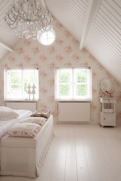 Attic Bedroon Floor Boards Painted White White Beadboard Ceiling Chic Bedroom Bedroom Vintage Shabby Chic Decor