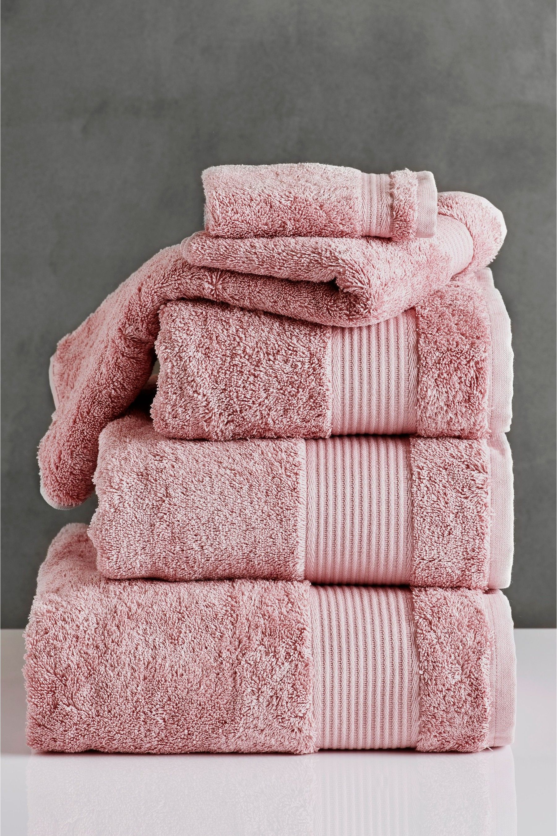 Egyptian Cotton Towels In 2020 With Images Egyptian Cotton Towels Cotton Towels Pink Towels