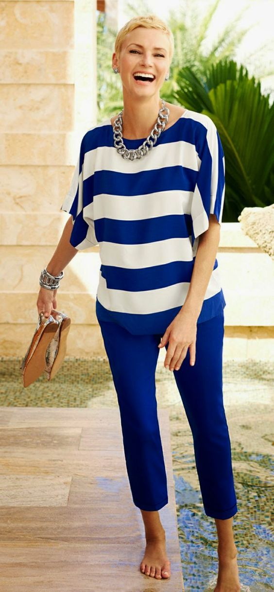 cdde42e3f55 50+ Gorgeous Summer Outfits for Women Over 40 Years Old // not sure I like  the horizontal stripes, but this outfit pops! Like the tapered pants
